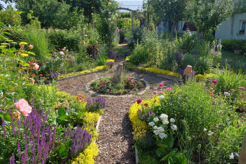Rosen Moderner Garten : Die Gartenpforte ist geöffnet  Garten – Träume und Räume